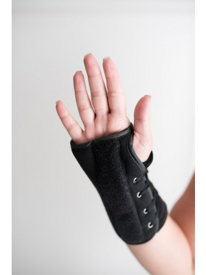 The Maximus Speed Lace Extended Wrist Splint